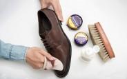 Tự đánh xi cho giày da tại nhà tại sao không
