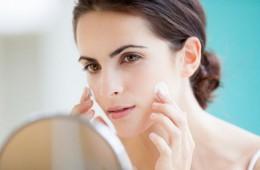 Cách giữ ẩm và làm mềm da mặt trong mùa đông