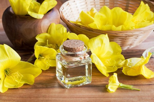 Tinh dầu hoa anh thảo hỗ trợ nội tiết tố nữ