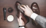 Tự đánh bóng và làm sạch giày da tại nhà
