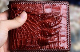 Cách nhận biết ví da cá sấu xịn